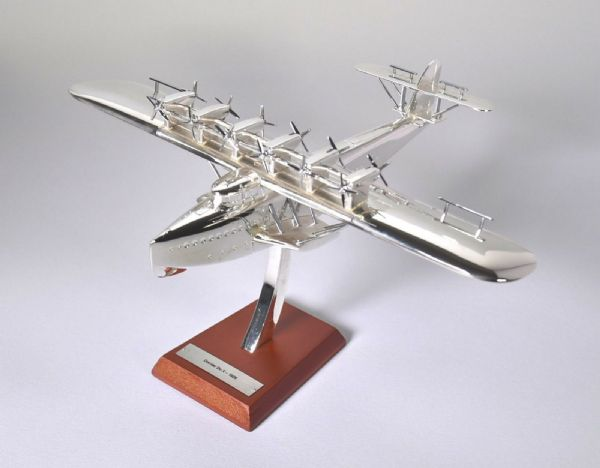Atlas Editions JK06 Boeing E-3B Sentry Jet Age Military Aircraft 1:200 Scale