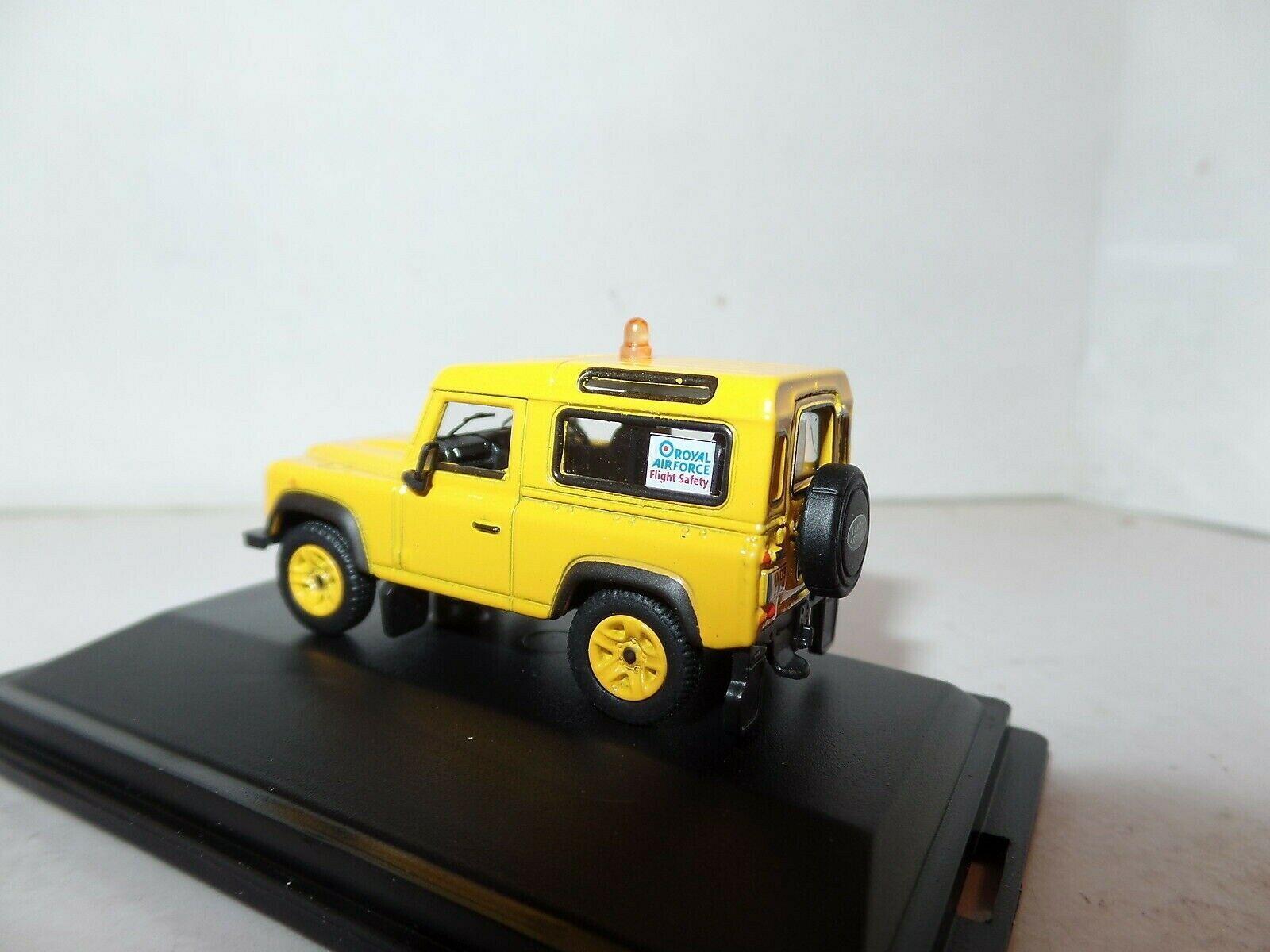 1:76 Land Rover Defender RAF Flight Safety