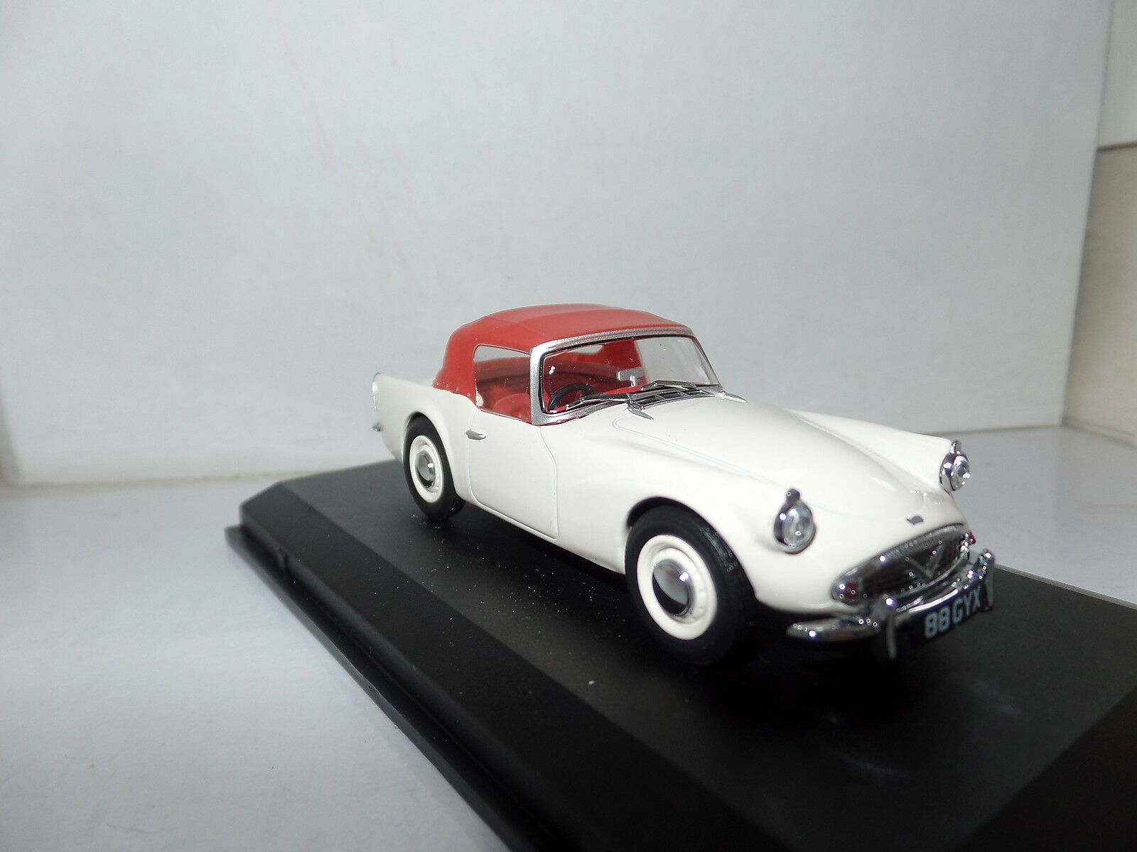 Ivory // Red 143 Dsp003 Daimler Sp250 Hood Up Oxford Diecast 1//43 Scale