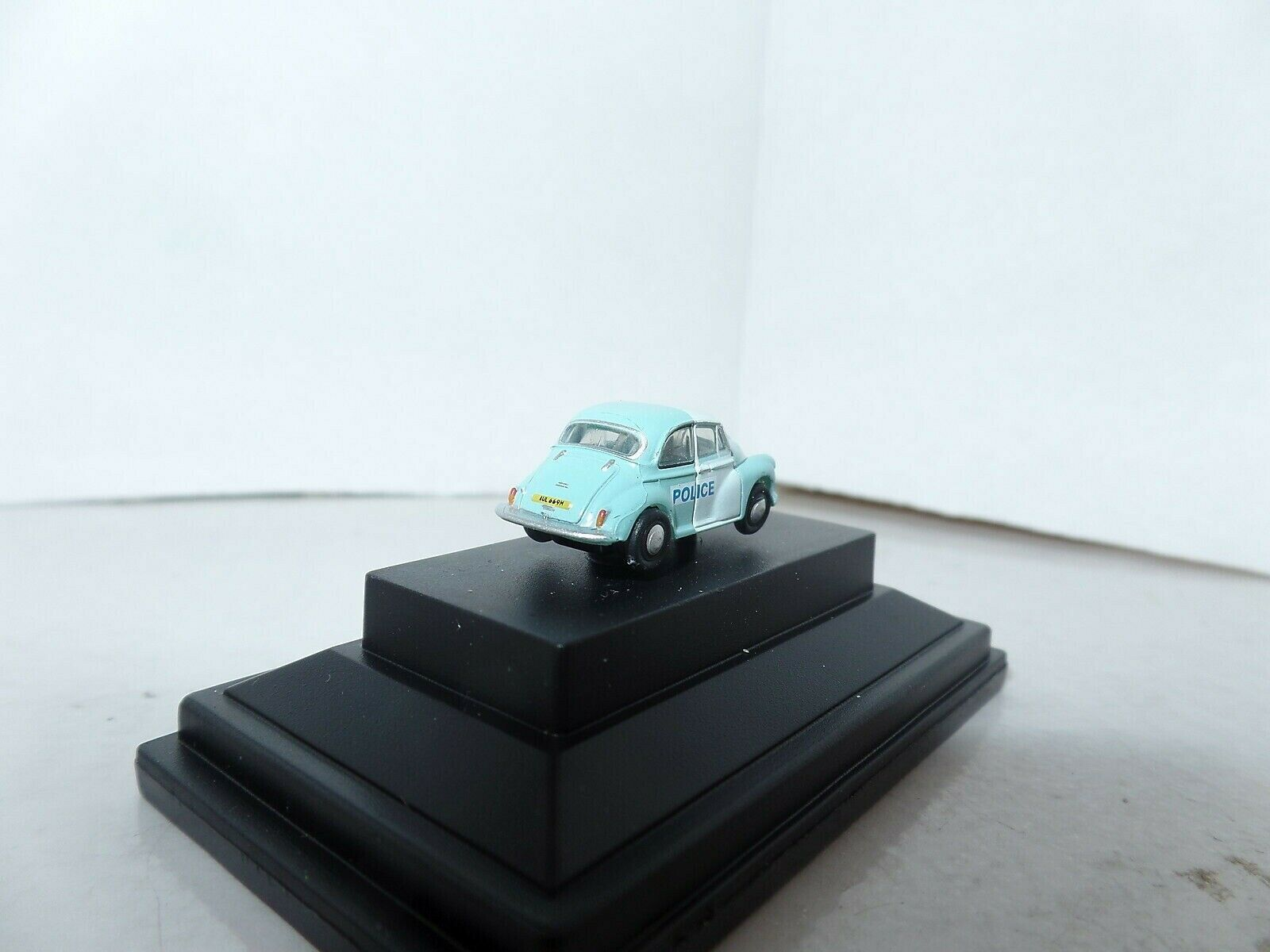 Oxford NMOS005 MOS005  N Gauge 1//148 Scale Morris Minor Saloon Police Panda Car