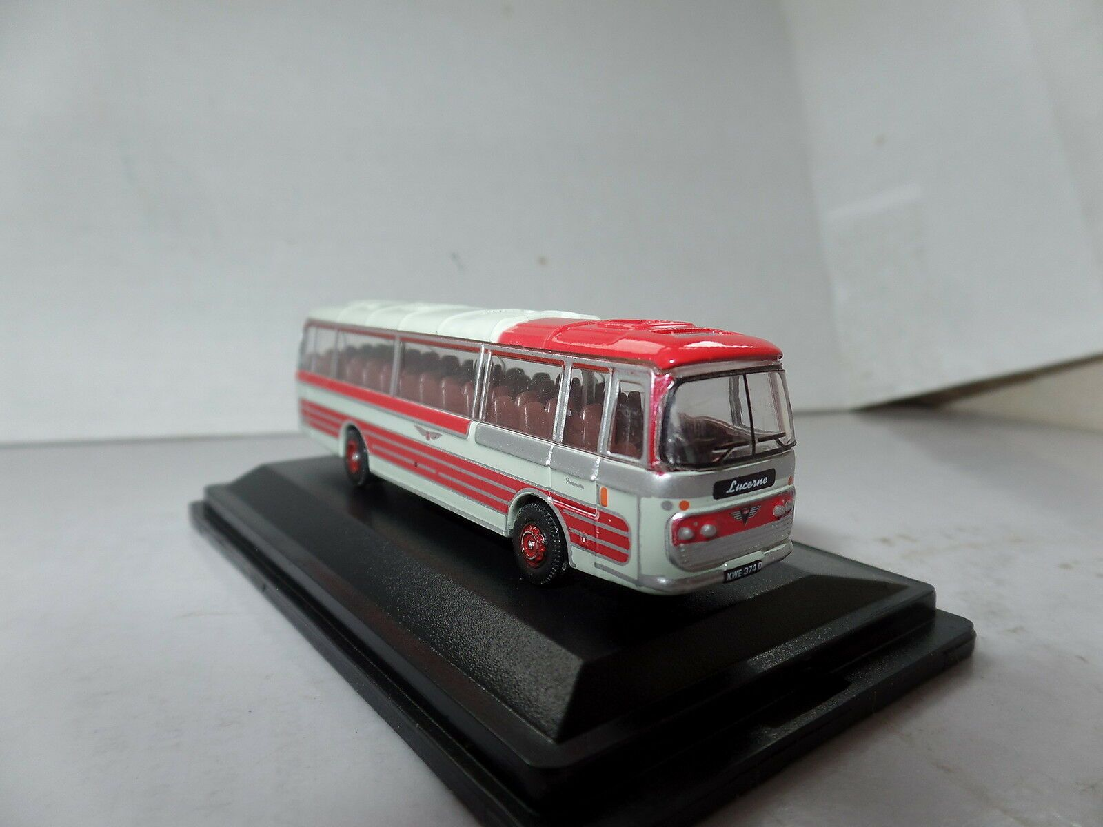 OXFORD DIECAST NPP005 1:148 N SCALE Plaxton Panorama 1 Sheffield United Tours